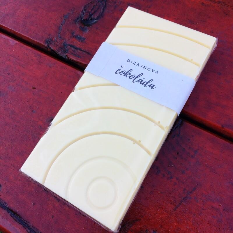 Dizajnová čokoláda s posypom - BIELA