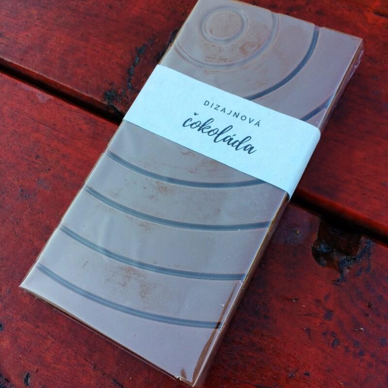 Dizajnová čokoláda s posypom - Mliečna